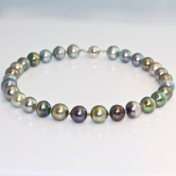 Tahitian pearl diamond necklace