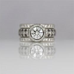 PContemporary platinum diamond ring