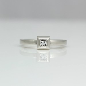 Princess cut diamond Platinum ring