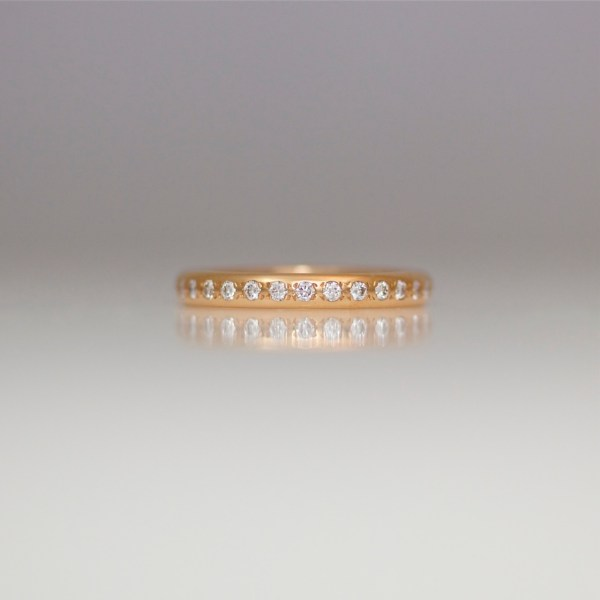 Rose gold ring with Pave' set diamonds