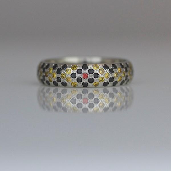 Snake pattern diamond & platinum ring