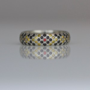Snake pattern diamond & platinum ring