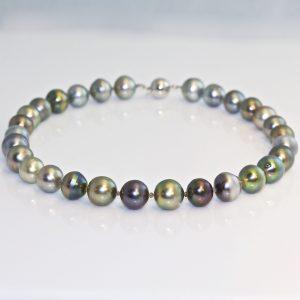 Tahitian pearl alternating diamond necklace