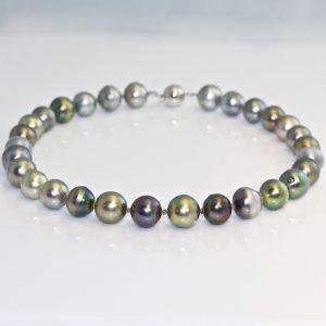Tahitian pearl alternating diamond necklace