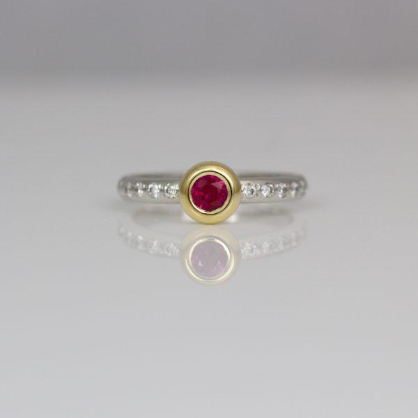 Ruby & diamond ring, 18ct gold & Platinum.