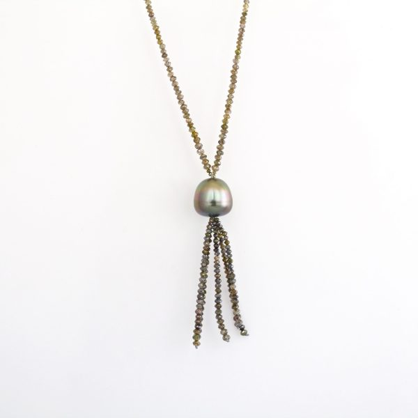 Natural colour diamond with Tahitian pearl necklace