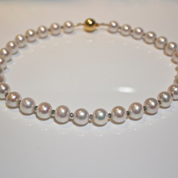 Colour change sapphire & pearl necklace