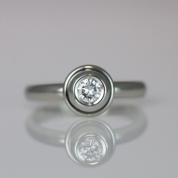 Rub-over set diamond ring 0517 David Ashton