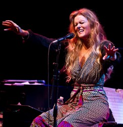 Tierney Sutton - Lobero Live! - The Tierney Sutton Band 2/19/10 Lobero Theatre