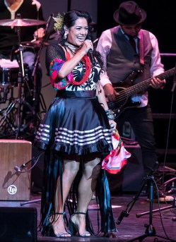 LilaDowns_01