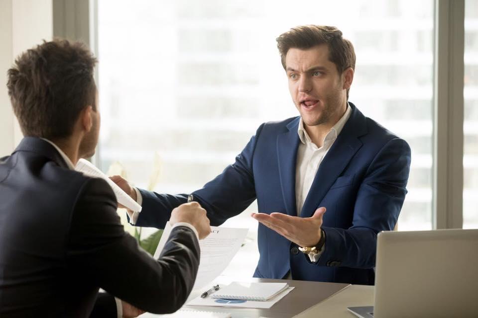 ¿Qué sucede cuando discutimos delante de un CLIENTE?