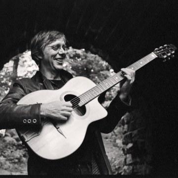 The Luke Hendon Acoustic Combo