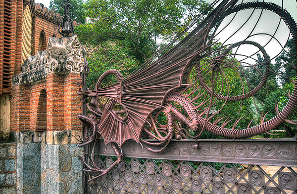 Guell-Dragon