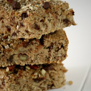 Healthy & Delicious Chocolate Chip Pecan Blondes