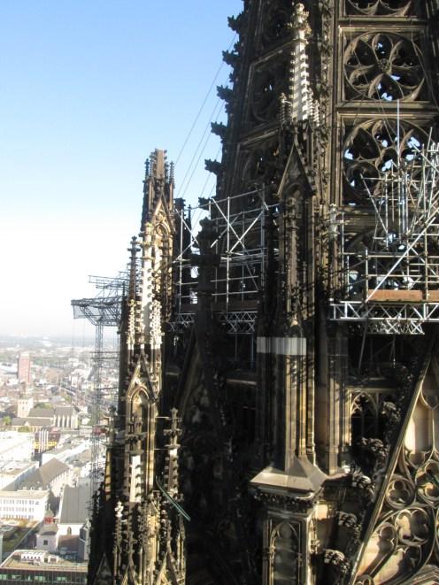 Il Duomo è in continuo restauro :7