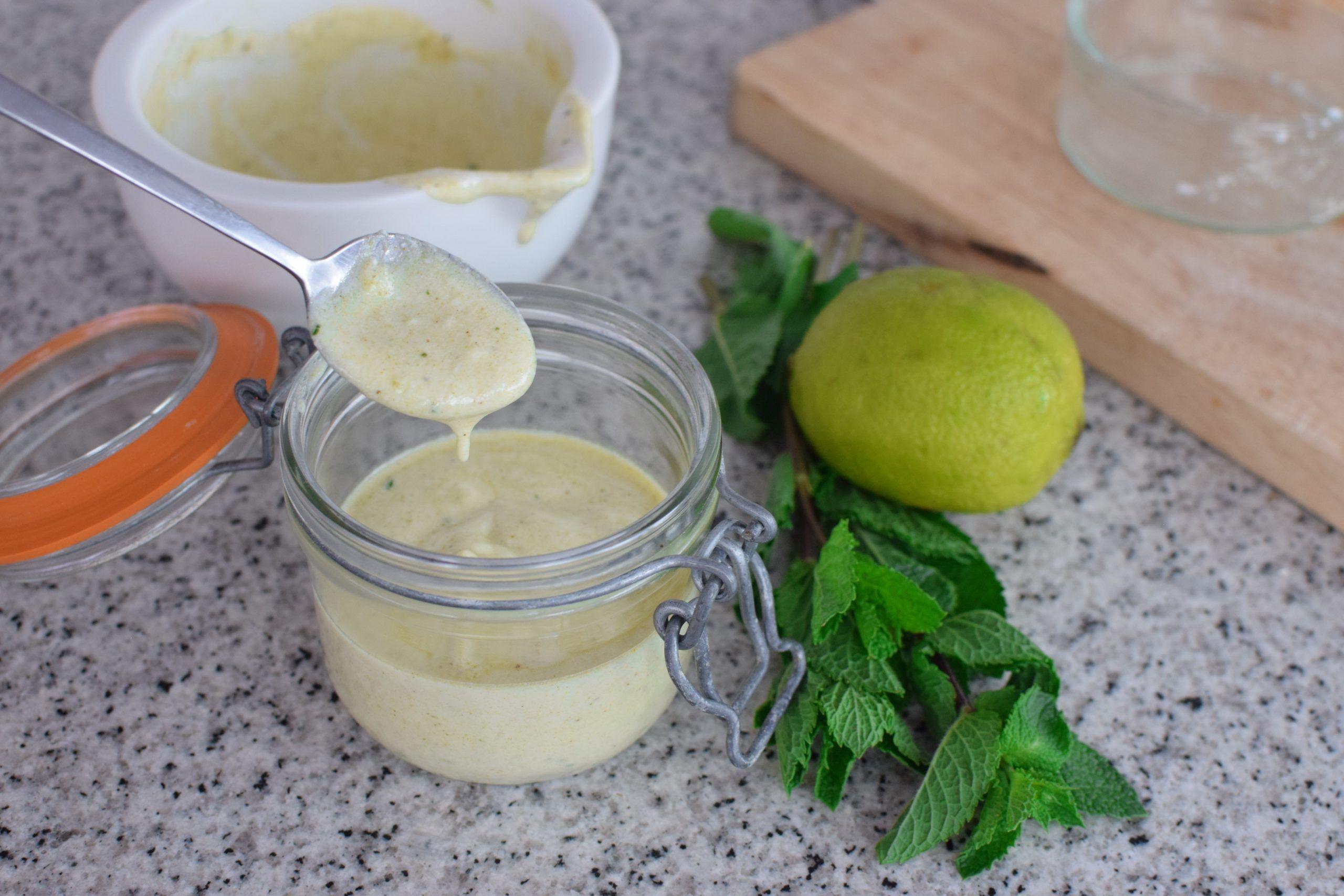 Cómo Hacer Salsa de Yogur AUTÉNTICA | Kebab, Falafel y Ensalada