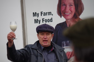 MichaelSchmidt-2015-toasting