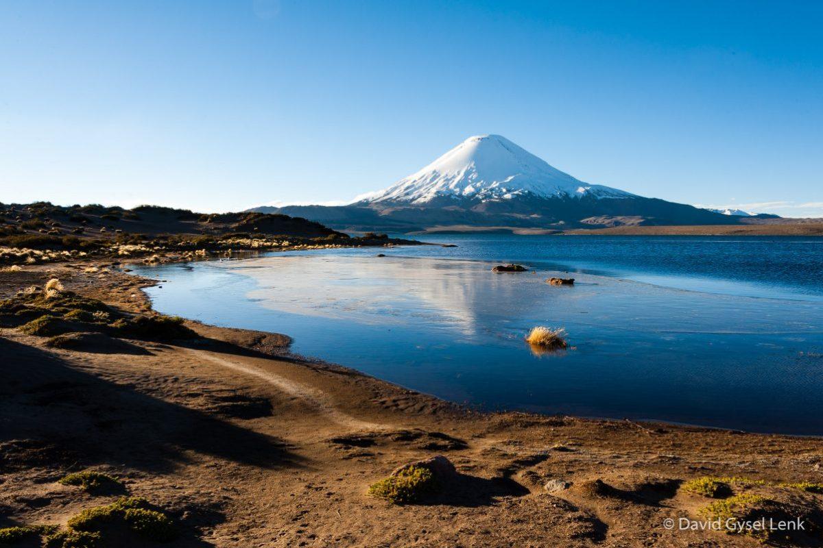 Volcán Parinacota y Lago Chungara, Chile