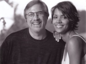 Black and white photo of Lawrence Grobel and Halle Berry