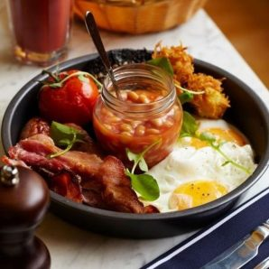 rustic-looking-english-breakfast-620x620
