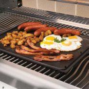 breakfast-skillet_in_use-napoleon-grills-620x620