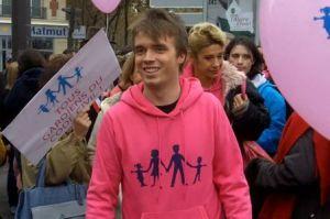 Xavier Bongibault, un gay anti mariage gay