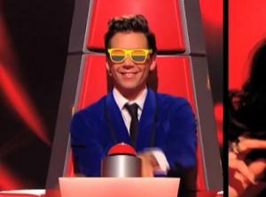 Mika et ses lunettes gay