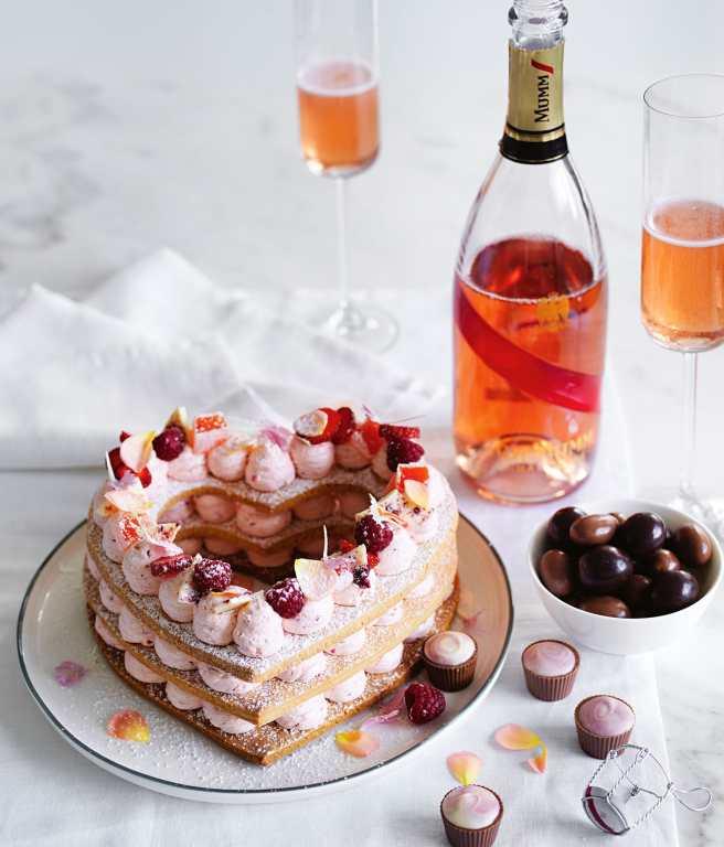 Vanilla Berry Cookie Cake