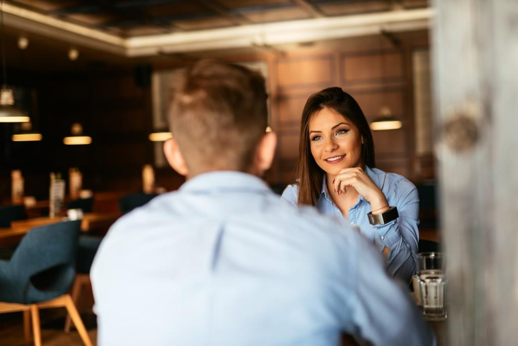 Drive Your Sales Success with 5 Easy Networking Conversations