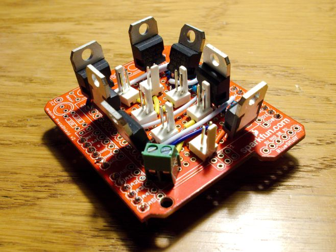 Arduino shield to control 7 high power lights using PWM.