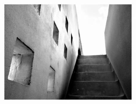 Srebreno, Vila Naprstek pražského dentisty Václava Náprstka, Nikola Dobrović, 1937. Dům obývaný, připravuje se rekonstrukce horní terasy.
