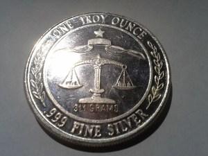 1 OZ .999 Fine Silver Parliament Shield Round – 1984