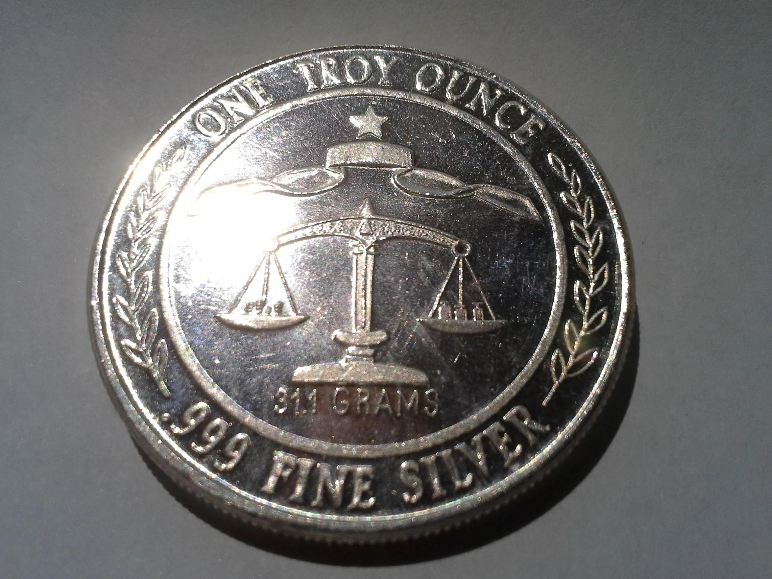 1 Oz 999 Fine Silver Parliament Shield Round 1984 The