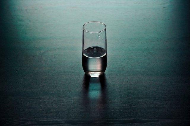 still glass of water mindfulness