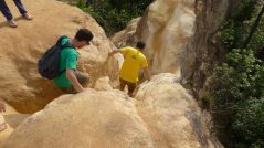 Climbing the ridges of Pai Canyon