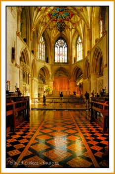 The-Nave,-TEWKESBURY-ABBEY-06