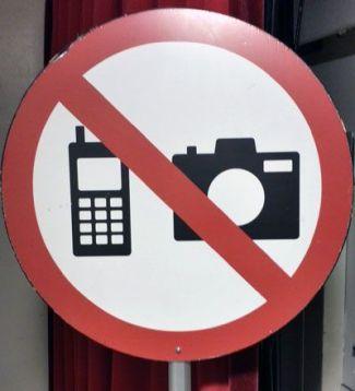 Educar antes que prohibir en música clásicasus teléfonos móviles en el concierto, por favor.
