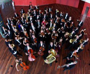 Formación en redes sociales para músicos de una orquesta OSCYL
