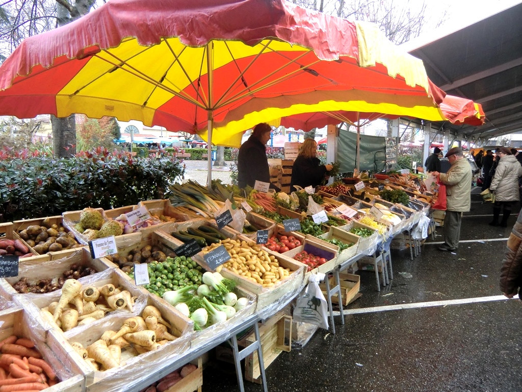 farmers market in south west france french cheese uk aldi french cheese shop