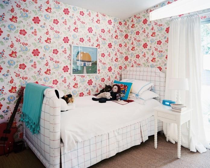Flower Children's Bedroom Wallpaper