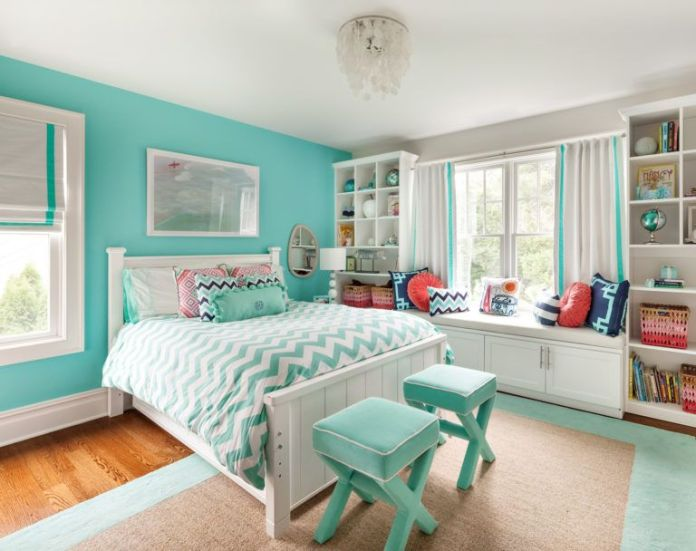 Dominant Turquoise Color for The Bedroom