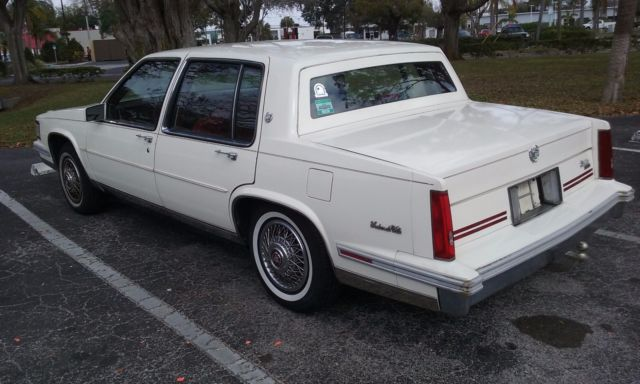 1988 Cadillac DeVille Sedan for sale  Cadillac DeVille 1988 for sale in Saint Petersburg