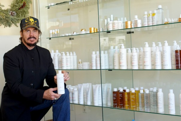 David_Shark_Fralick_At_Chicet_Beauty_and_Skin_Care_Showroom_DSC00961-web