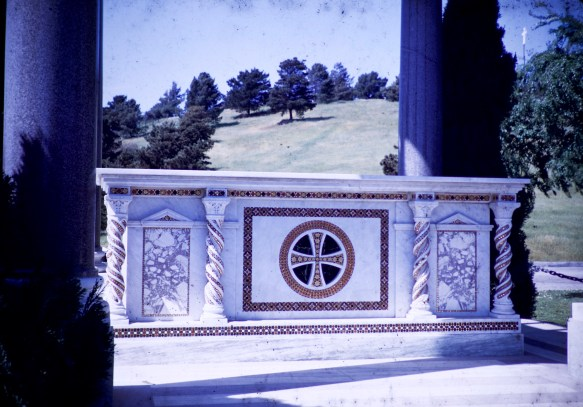 Forest Lawn - Temple - Santa Sabina
