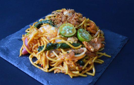 Mee Goreng Mamak (Mamak-style Fried Noodles)