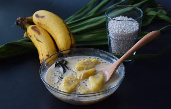 Pengat Pisang (Warm Coconut Banana Soup)