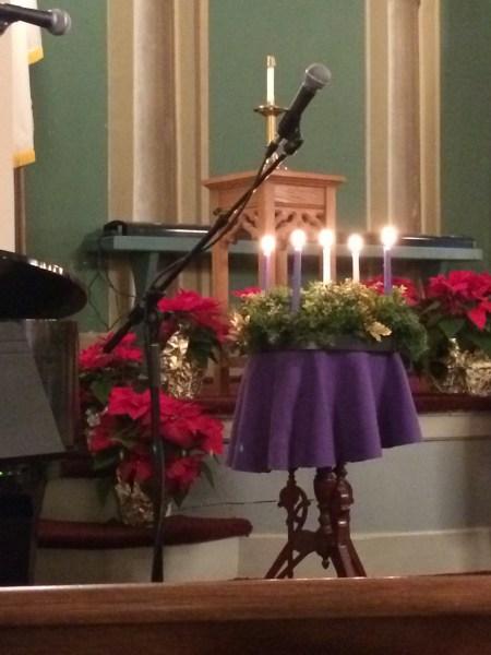 advent-wreath-at-church