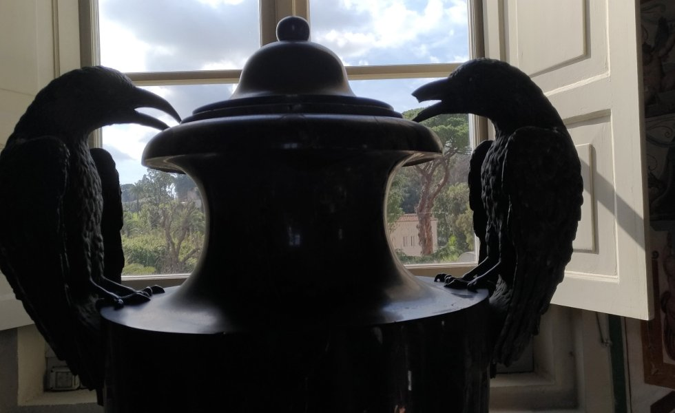 two ravens and a jar