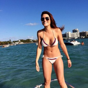 as-the-weather-gets-cold-outside-i-dream-of-bikinis-40-photos-25