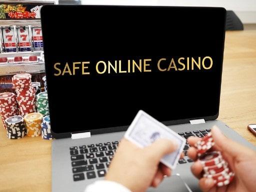 オンラインカジノ業者の実体